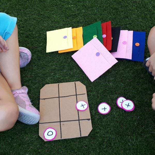 kids playing tic tac toe